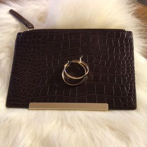 Clutch burgundy small with gold hardware/hoops